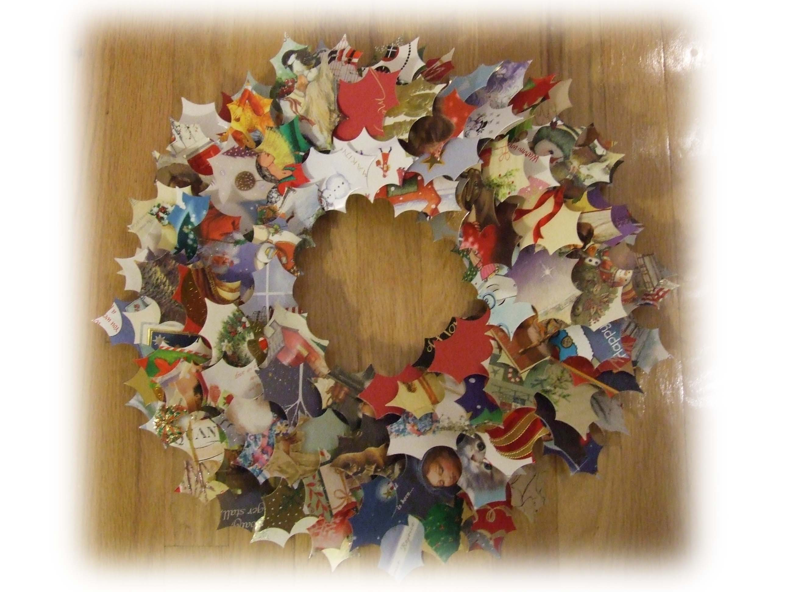 Wreath from old christmas cards - Wreath Made From Cards1