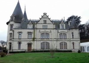 Chateau VERETZ Front Facade